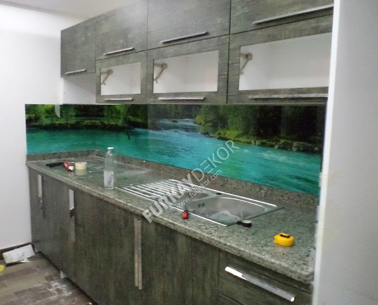 Mutfak-tezgah-arasi-cam-panel (1)
