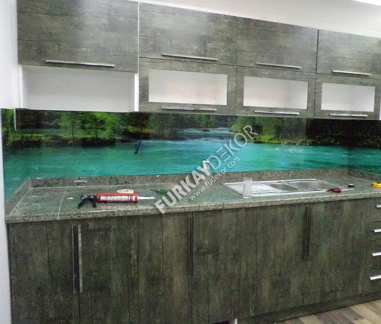 Mutfak-tezgah-arasi-cam-panel (2)